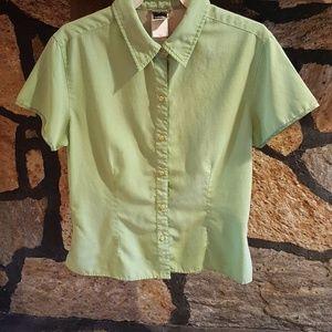 Northface fitted lightweight short sleeve shirt
